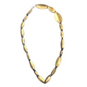 Carlos tellechea joyería de autor, joyería contemporánea, pátina de oro, arteartesania,